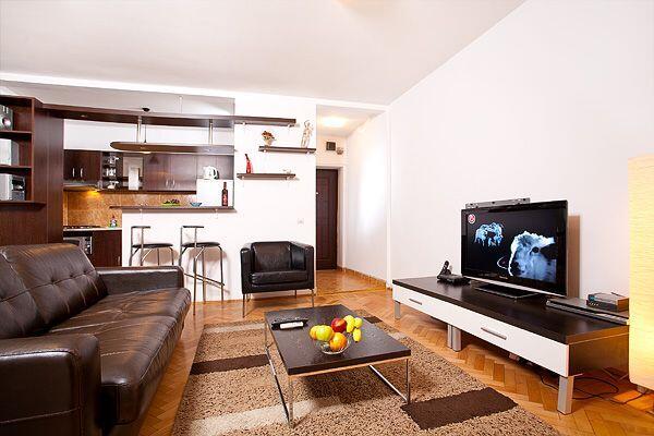 Bucharest old town rental 4 bucharest apartments for Bucharest apartments