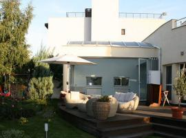 House with Pool in Pipera for Rent
