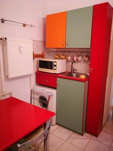 kitchen with washing machine