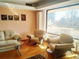 3 Rooms Rent Next to Herastrau Park